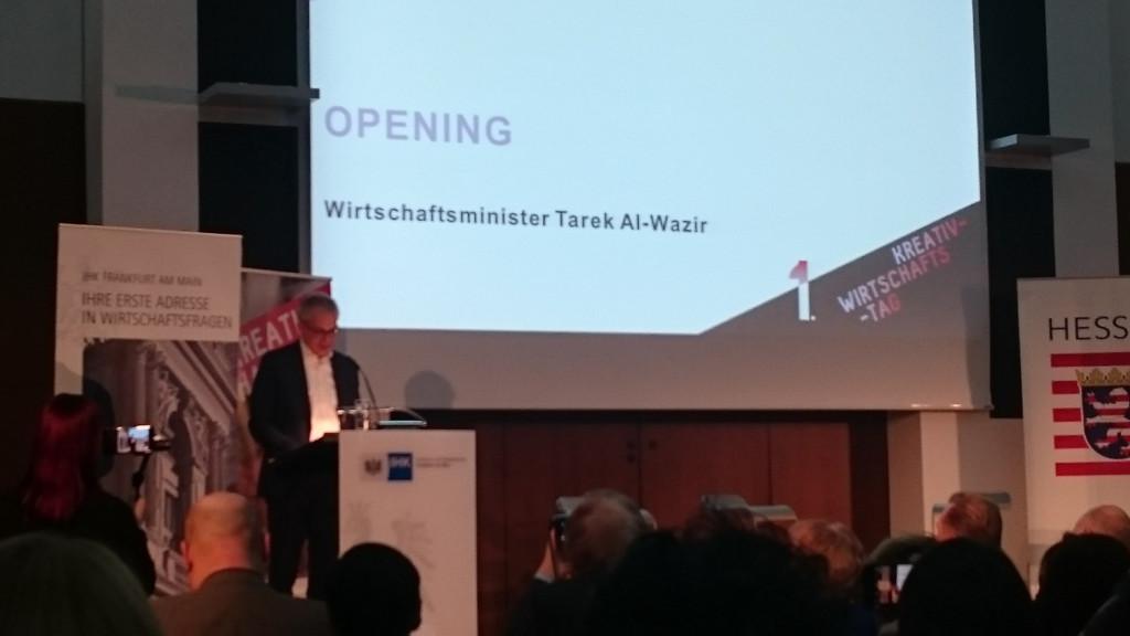 Tarek Al Wazir bei der Eröffnung des 1. Kreativwirtschaftstages Hessen in der IHK Frankfurt